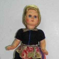 Muñecas Extranjeras: ANTIGUA MUÑECA ITALIANA AÑOS 50 REALIZADA DEN CELULOIDE VESTIDA DE HOLANDESA (VOLENDAM) MIDE 43CM. Lote 43656656