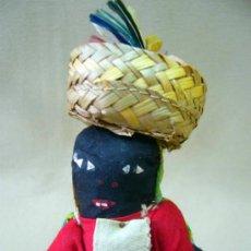 Muñecas Extranjeras: MUÑECA NEGRA JAMAICANA, VINTAGE, SOUVENIR, ARTE FOLKLORICO, JAMAICA, 1950S. Lote 35012254