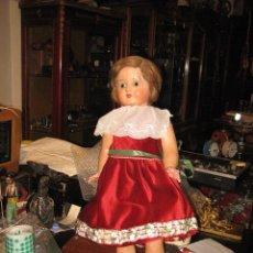 Muñecas Extranjeras: MUÑECA ANTIGUA DE CARTÓN PIEDRA 60 CM. POSIBLEMENTE ALEMANA Y ANDADORA. Lote 40288517