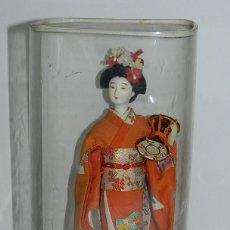 Muñecas Extranjeras: MUÑECA JAPONESA MARCA KOMACHI DOLL, MADE IN JAPAN, MIDE 24 CMS. INCLUIDA LA PENA, TAL COMO PUEDE VER. Lote 43842871