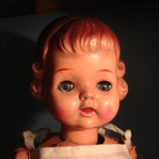 Muñecas Extranjeras: ANTIGUA MUÑECA ANDADORA Y AUTOMATA MADE IN JAPAN, ACCIONAMIENTO CUERDA, FUNCIONA. Lote 45125692
