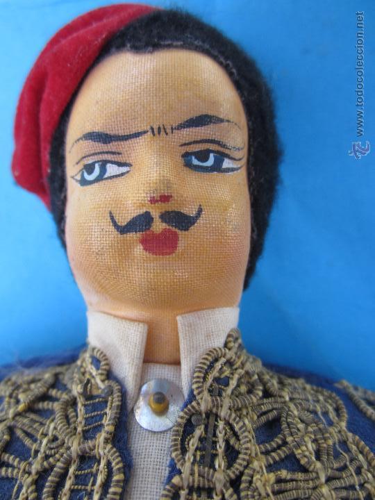 Muñecas Extranjeras: muñeco etnologico griego - cabeza de cuero- procede de grecia - Foto 12 - 47681533