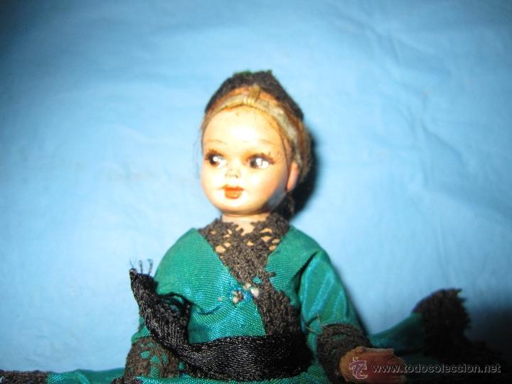 Muñecas Extranjeras: ANTIGUA Y PEQUEÑA MUÑECA PORTUGUESA AÑOS 40-60 CREO CARTON O CELOLUIDE, MUY BONITA - Foto 4 - 48005398