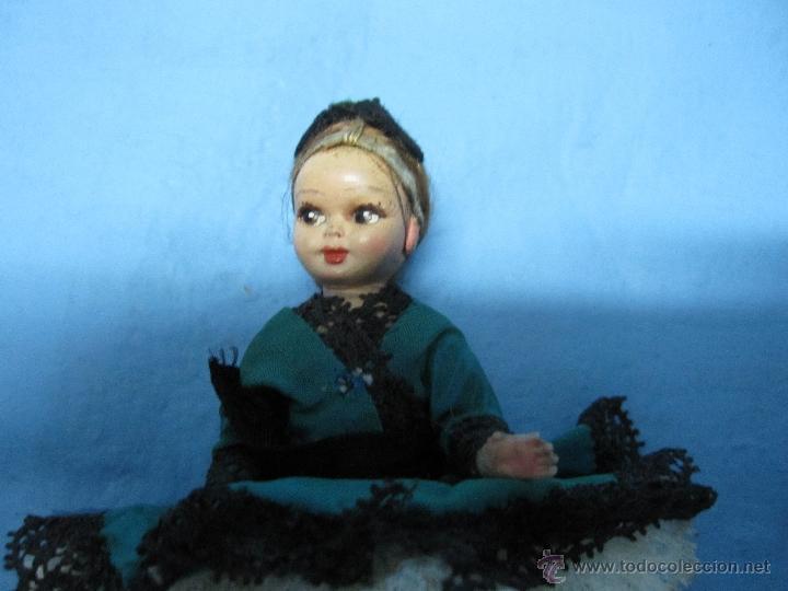 Muñecas Extranjeras: ANTIGUA Y PEQUEÑA MUÑECA PORTUGUESA AÑOS 40-60 CREO CARTON O CELOLUIDE, MUY BONITA - Foto 5 - 48005398
