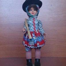 Muñecas Extranjeras: MUÑECA ANTIGUA EN CELULOIDE Y PVC, CON TRAJE TRADICIONAL DE ALENTEJO ( PORTUGAL ), OJOS DURMIENTES .. Lote 49856344