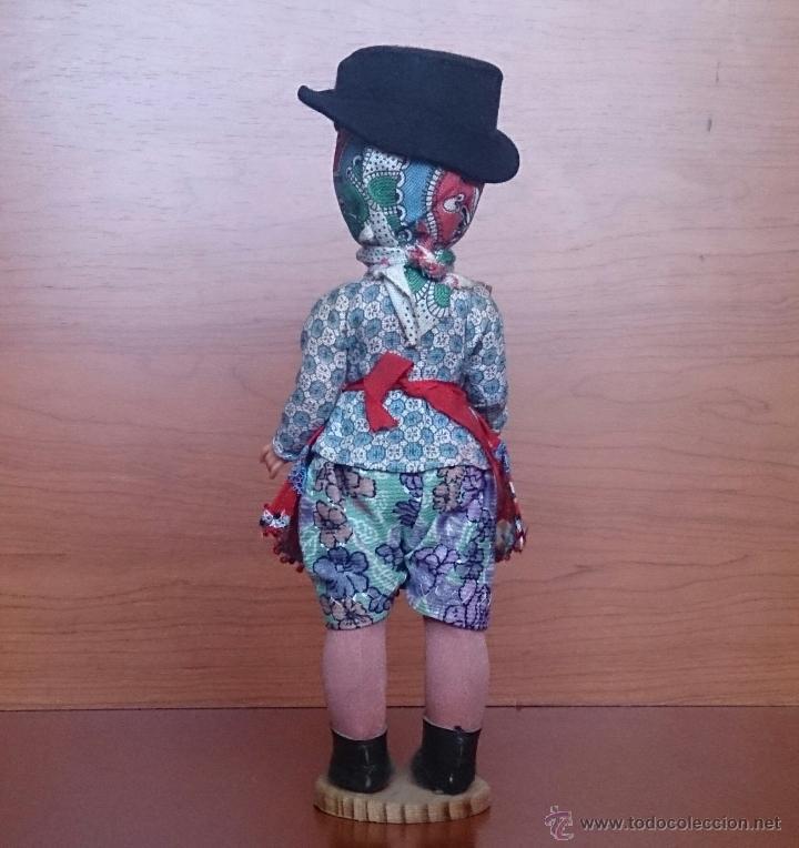 Muñecas Extranjeras: Muñeca antigua en celuloide y pvc, con traje tradicional de Alentejo ( Portugal ), ojos durmientes . - Foto 3 - 49856344