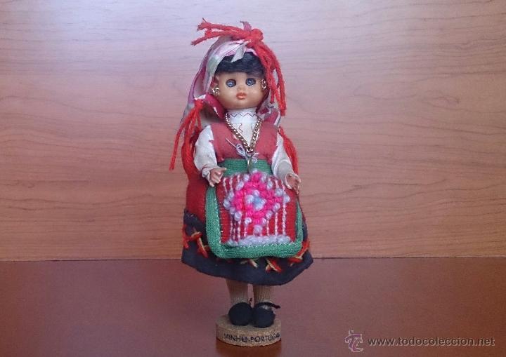 Muñecas Extranjeras: Muñeca antigua con cara de celuloide, ojos durmientes y traje tradicional de Minho Portugal . - Foto 5 - 59871404