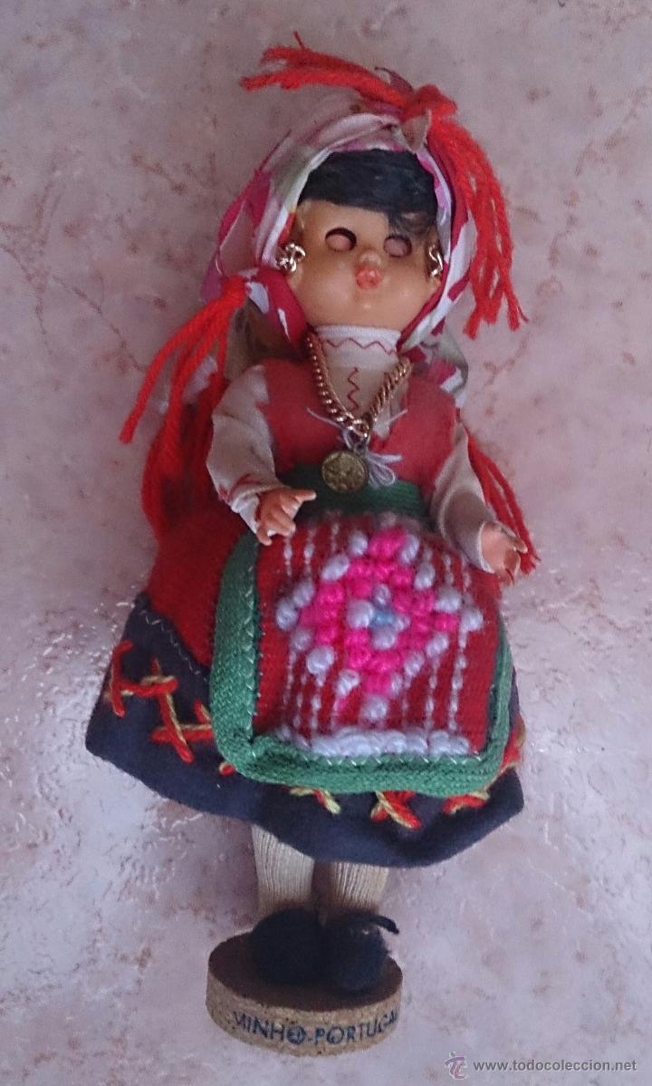 Muñecas Extranjeras: Muñeca antigua con cara de celuloide, ojos durmientes y traje tradicional de Minho Portugal . - Foto 8 - 59871404