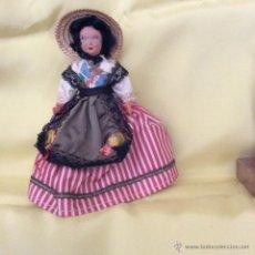 Muñecas Extranjeras: ANTIGUA MUÑECA FRANCESA CON TRAJE REGIONAL. Lote 50071217