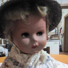 Muñecas Extranjeras - Antigua muñeca de cartón piedra ,ojos durmientes y oscilantes con llorón. Años 50 - 50757297