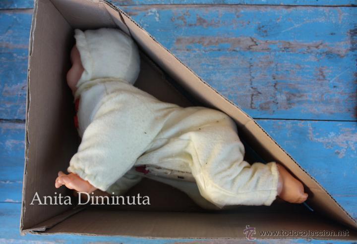 Muñecas Extranjeras: ANTIGUO MUÑECO A PILAS - CALL ME BABY - ROSKO TOY - FUNCIONA - AÑOS 60 - GATEA Y HABLA COMO UN BEBE - Foto 9 - 50983401