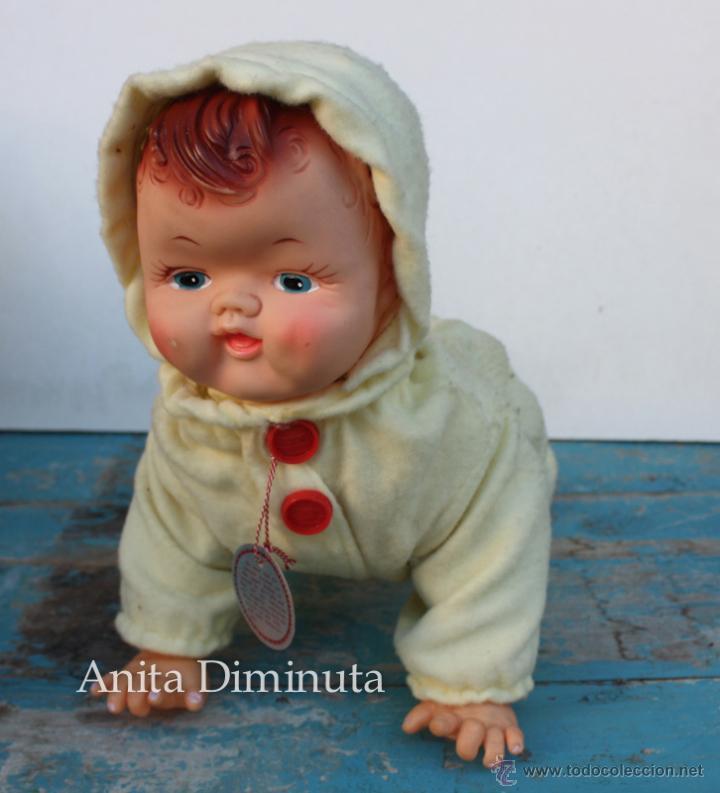 Muñecas Extranjeras: ANTIGUO MUÑECO A PILAS - CALL ME BABY - ROSKO TOY - FUNCIONA - AÑOS 60 - GATEA Y HABLA COMO UN BEBE - Foto 10 - 50983401