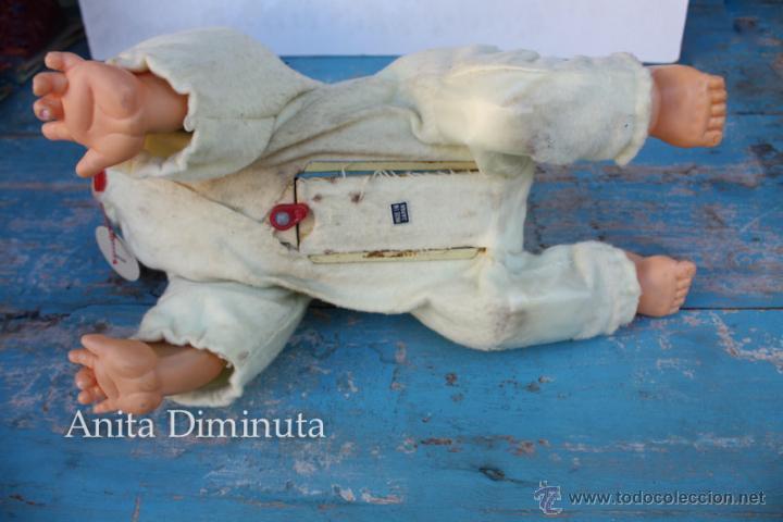 Muñecas Extranjeras: ANTIGUO MUÑECO A PILAS - CALL ME BABY - ROSKO TOY - FUNCIONA - AÑOS 60 - GATEA Y HABLA COMO UN BEBE - Foto 13 - 50983401
