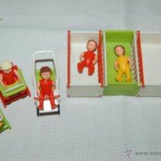 Muñecas Extranjeras - muñequitos alemanes en miniatura con complementos - 51376783