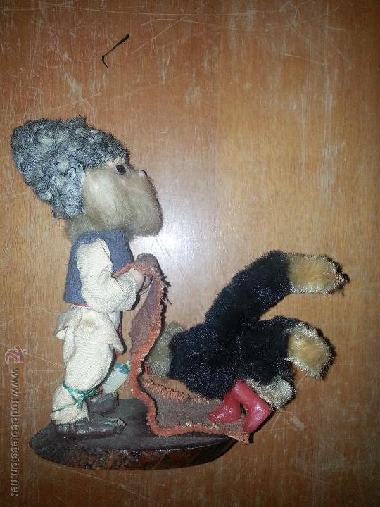 Muñecas Extranjeras: antiguo muñeco ruso con gallina o pavo real vestimenta realizada a mano - Foto 3 - 52942264