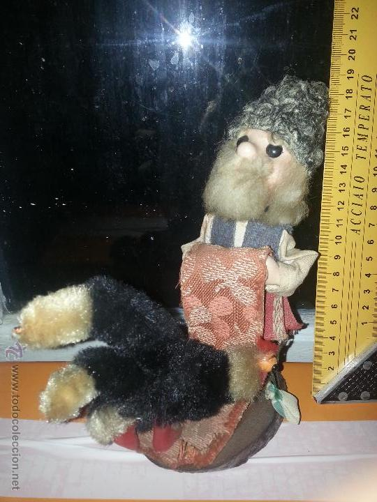 Muñecas Extranjeras: antiguo muñeco ruso con gallina o pavo real vestimenta realizada a mano - Foto 5 - 52942264