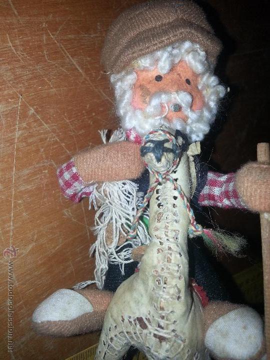 Muñecas Extranjeras: antiguo muñeco pescador montado sobre una llama yama en piel natural - Foto 4 - 52943092