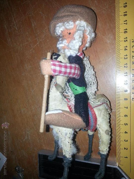 Muñecas Extranjeras: antiguo muñeco pescador montado sobre una llama yama en piel natural - Foto 5 - 52943092