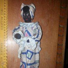 Muñecas Extranjeras: ANTIGUA MUÑECA NEGRA CHA CHA CHA RECOGIDA ALGODON O SAMBA CULO COJIN. Lote 52944848