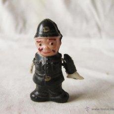 Muñecas Extranjeras: PEQUEÑO MUÑECO DE CELULOIDE DE CANTINFLAS VESTIDO DE POLICIA. LA MARCA ES UN TREBOL. JAPAN. Lote 53505209