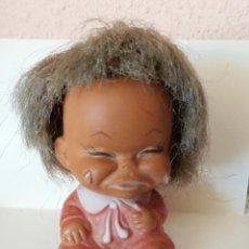 Muñecas Extranjeras: ANTIGUO MUÑECO DE GOMA CON GESTO SELLADO MADE IN HONKONG 9 CM. Lote 53813163
