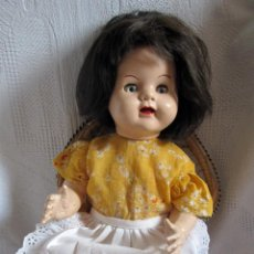 Muñecas Extranjeras: PRECIOSA MUÑECA ANDADORA MADE IN ENGLAND. Lote 54453122