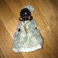 Muñecas Extranjeras: MUÑECA NEGRITA ANTIGUA AFRICANA PLASTICO VESTIDO ORIGINAL AÑOS 60. Lote 54632795