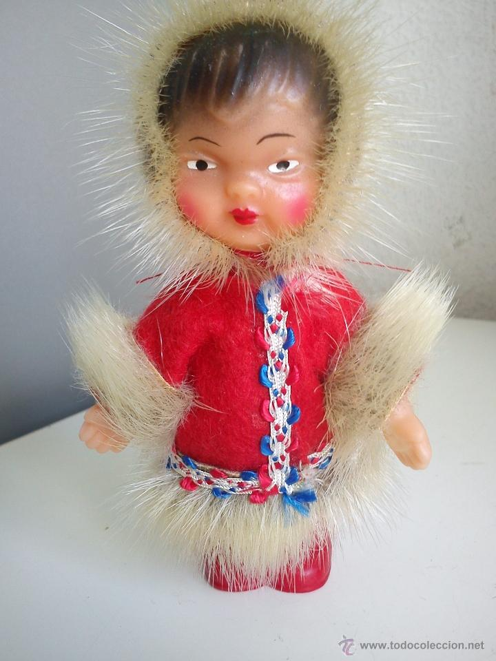 Muñecas Extranjeras: ANTIGUA MONEQUITA DO POLO NORTE HECHE DE GOMA ROPA ORIGINAL SELADA K.Schrickel - Foto 2 - 54720198