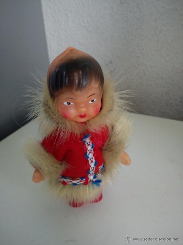 Muñecas Extranjeras: ANTIGUA MONEQUITA DO POLO NORTE HECHE DE GOMA ROPA ORIGINAL SELADA K.Schrickel - Foto 9 - 54720198