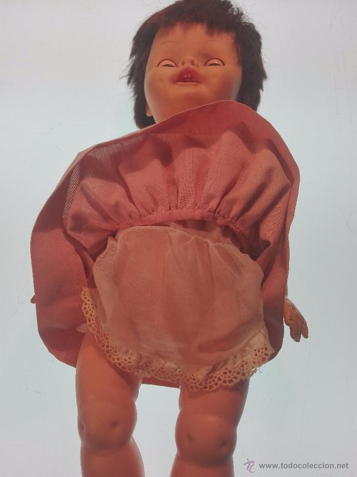 Muñecas Extranjeras: MUY CURIOSA Y RARA MUÑECA LAUREL - AÑOS 50 APROX - 45CM APROX. - A CUERDA - HABLA Y MUEVE LA BOCA - - Foto 7 - 55062992