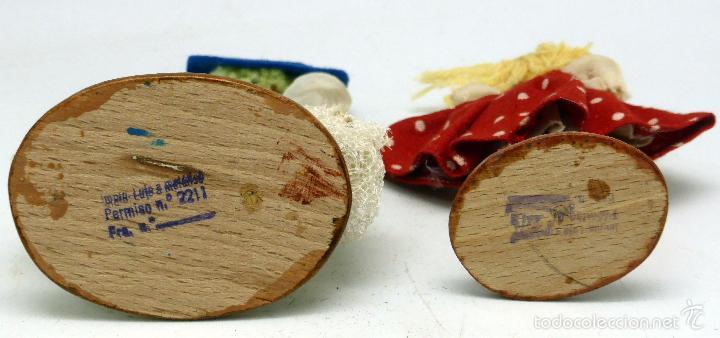 Muñecas Extranjeras: 2 muñeca cuerpo madera cara trapo vestido tela años 50 13 cm alto - Foto 3 - 57345793