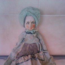 Muñecas Extranjeras: MUÑECA BOUDOIR, PARA CAMA, TRAJE DE SEDA. HILO PLATEADO,CIRCA 1920.PARA RESTAURAR.. Lote 58191615