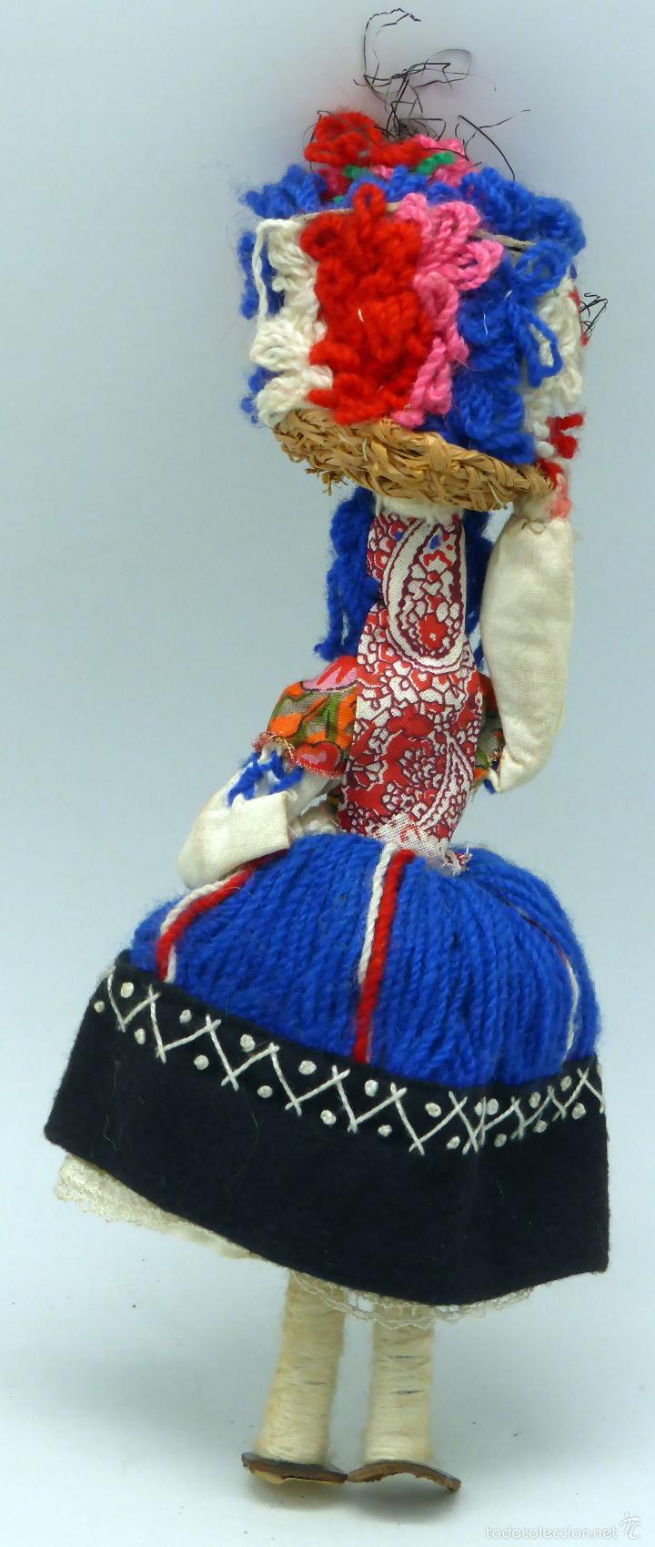 Muñecas Extranjeras: Muñeca traje regional recuerdo viaje trapo y tela años 60 29 cm alto - Foto 4 - 58623070