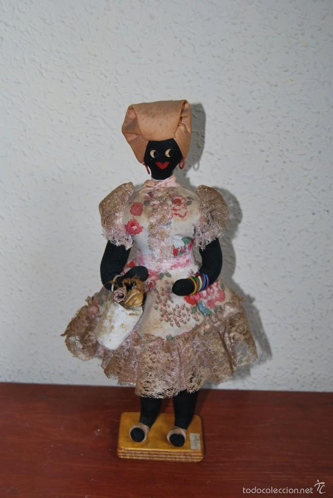 MUÑECA NEGRA DE TELA - CUBA - TRAJE POPULAR - AÑOS 50-60 (Juguetes - Muñeca Extranjera Antigua - Otras Muñecas)