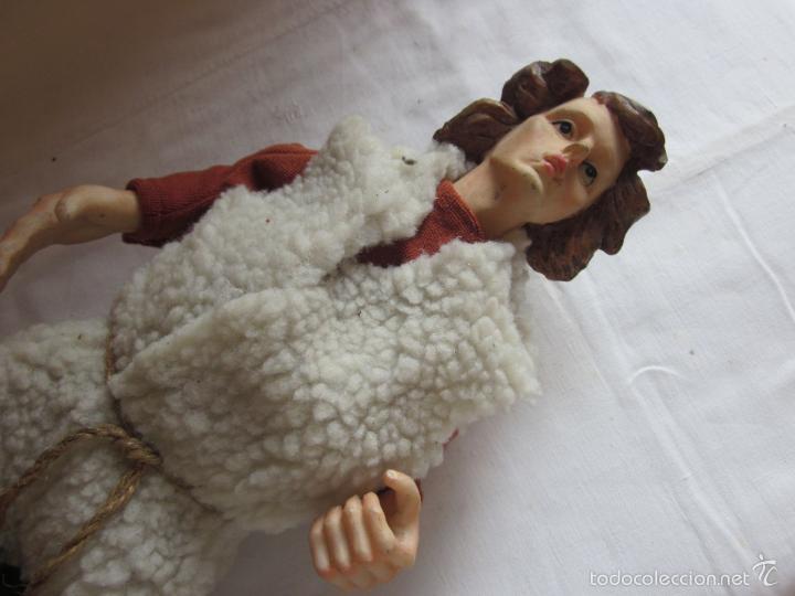Muñecas Extranjeras: Antiguo muñeco o muñeca de gran tamaño, tipo pastor, hecho en ceramica o pasta - Foto 2 - 60584595