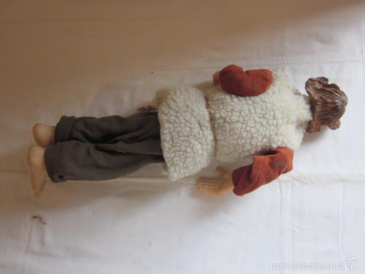 Muñecas Extranjeras: Antiguo muñeco o muñeca de gran tamaño, tipo pastor, hecho en ceramica o pasta - Foto 3 - 60584595