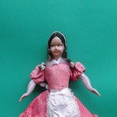 Muñecas Extranjeras: JUGUETE. ANTIGUA MUÑECA DE CELULOIDE. AÑOS 40-50.. Lote 63177064