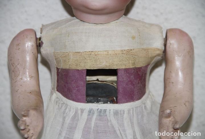 Muñecas Extranjeras: MU140 MUÑECA AUTÓMATA. PORCELANA, COMPOSICIÓN Y CABRITILLA. FUNCIONA. S. XIX - Foto 9 - 65752962
