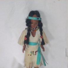 Muñecas Extranjeras - Pequeña muñeca india, de celuloide duro o poliestireno, ropa de piel - 66261370