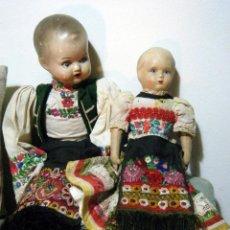 Muñecas Extranjeras: LOTE MUÑECO Y MUÑECA CARTÓN PIEDRA Y TRAPO VESTIMENTA REGIONAL. Lote 161690836
