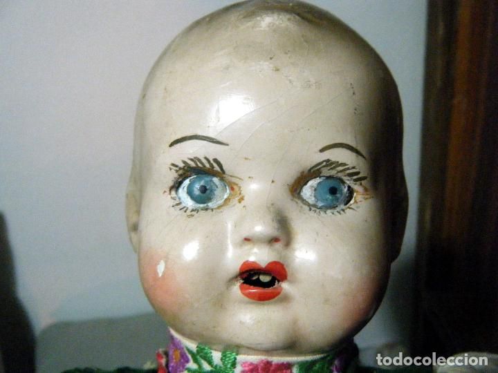 Muñecas Extranjeras: Lote muñeco y muñeca cartón piedra y trapo vestimenta regional - Foto 7 - 161690836