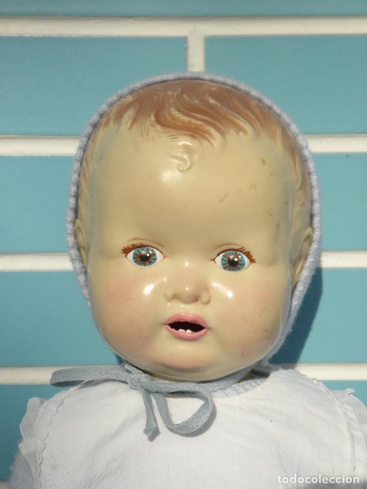 Muñecas Extranjeras: Muñeco bebé inglés Sarold de marca British Made, antiguo de 60 cm - Foto 2 - 68836609