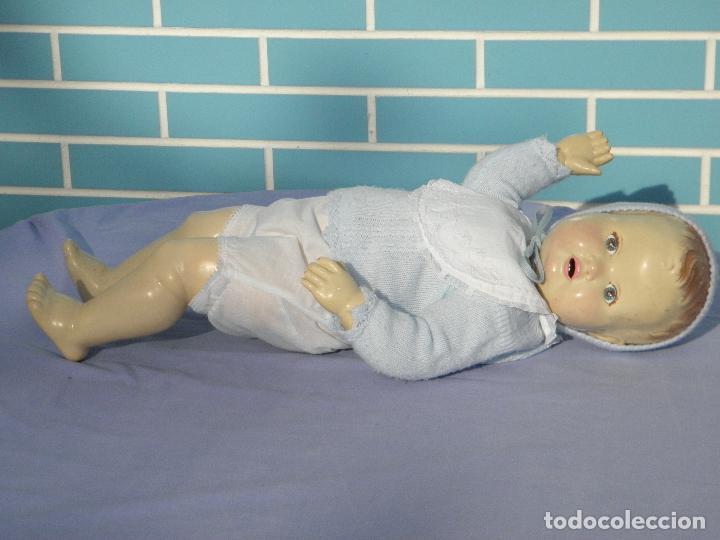 Muñecas Extranjeras: Muñeco bebé inglés Sarold de marca British Made, antiguo de 60 cm - Foto 3 - 68836609