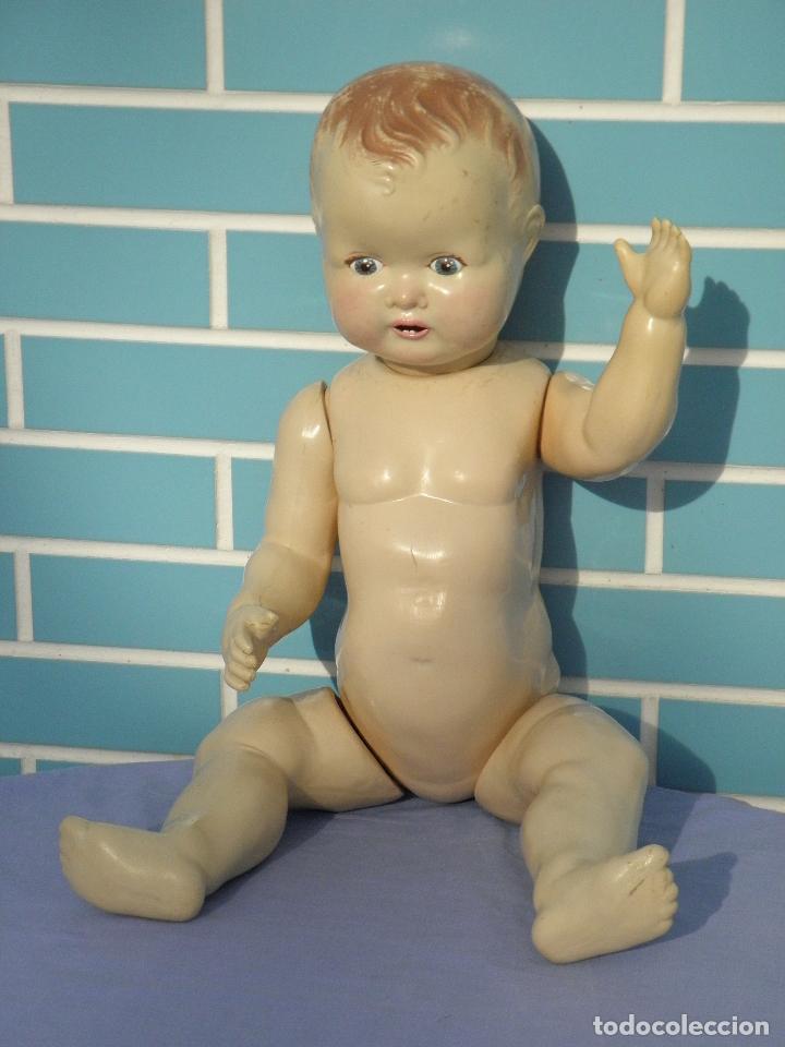 Muñecas Extranjeras: Muñeco bebé inglés Sarold de marca British Made, antiguo de 60 cm - Foto 6 - 68836609