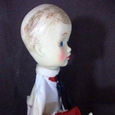 Muñecas Extranjeras: ANTIGUO MUÑECO CON CABEZA DE GOMA Y CUERPO EN CONO DE CARTON . Lote 69084273