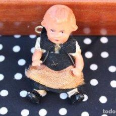 Muñecas Extranjeras: ANTIGUA MUÑECA DE CELULOIDE PEQUEÑO TAMAÑO ALEMANA PARA CASA DE MUÑECAS 7,5 CM. Lote 70368909