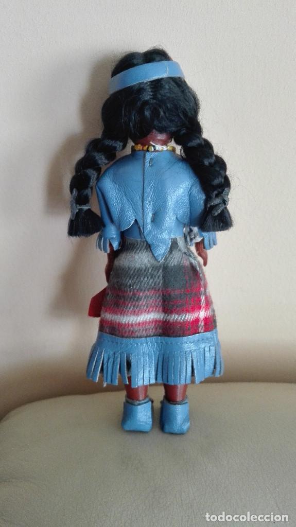 Muñecas Extranjeras: ANTIGUA MUÑECA INDIA CON BEBÉ Y PEANA MARCA CARLSON DOLLS ESTADOS UNIDOS - Foto 3 - 78389329