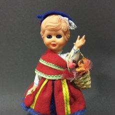 Bambole Internazionali: MUÑECA ANTIGUA CON TRAJE REGIONAL ,OJOS BASCULANTES .. Lote 81527570