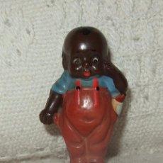 Muñecas Extranjeras: NEGRITO CON BIBERÓN,DE CELULOIDE,AÑOS 30. Lote 19569549