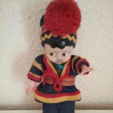 Muñecas Extranjeras: MUÑECO ETNICO TIPO KEWPIE . Lote 83849468